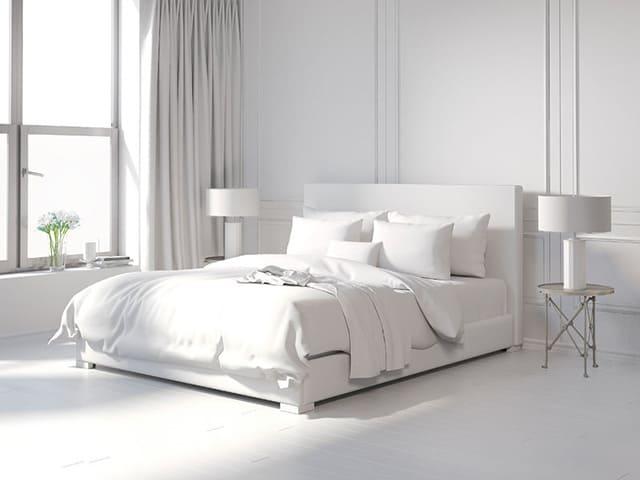 دکوراسیون اتاق خواب سفید ساده