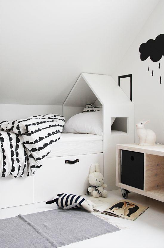 دکوراسیون اتاق خواب کودک سفید