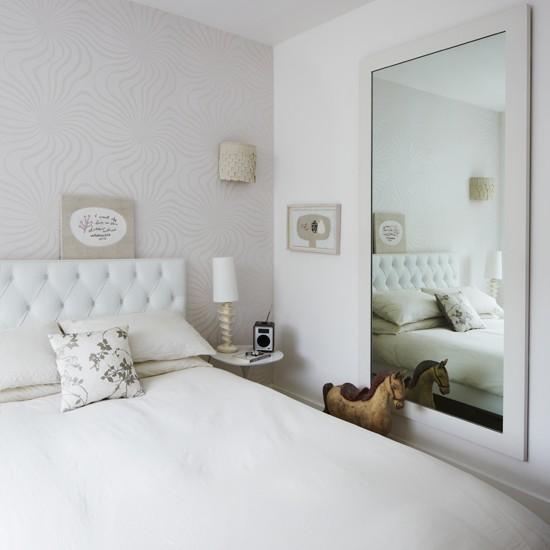 دکوراسیون اتاق خواب کوچک سفید